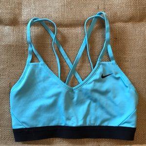 Nike Light Teal Size Small Strappy Sports Bra